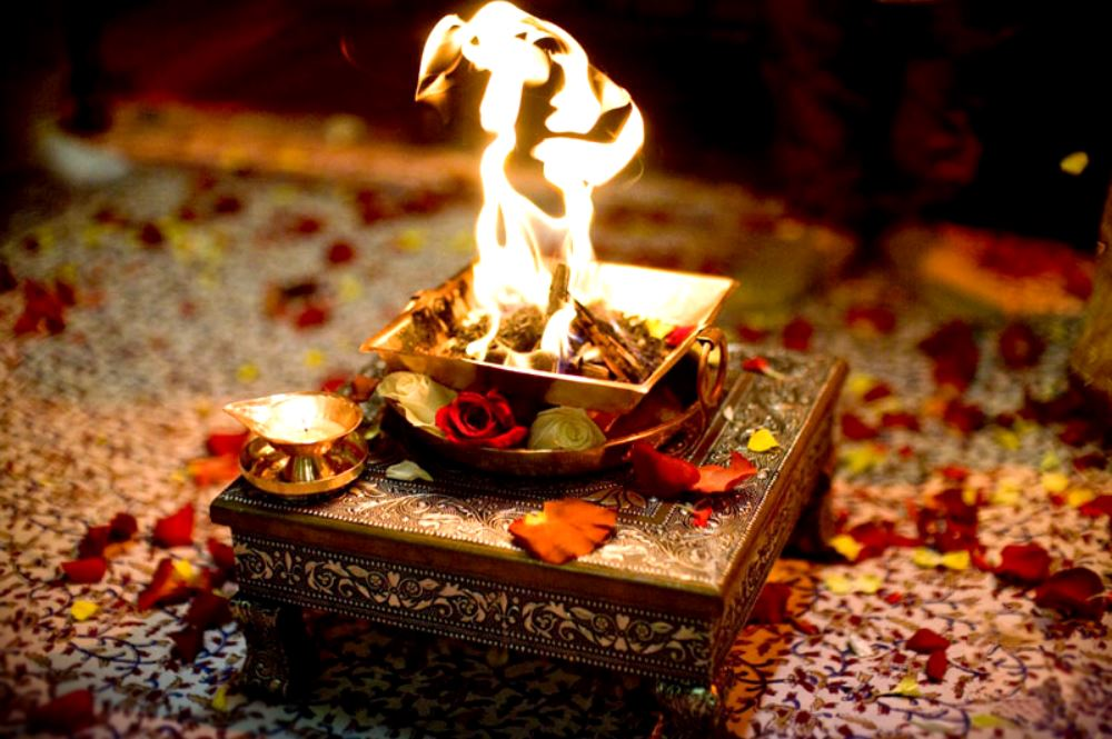 Yajna-and-Yagna